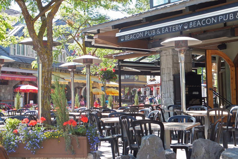 Beacon Pub and Eatery Patio