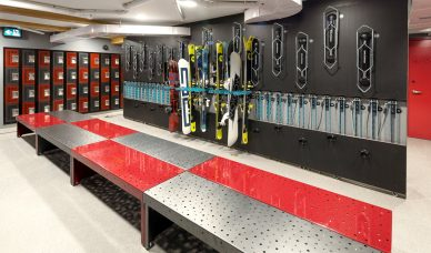 04-the-toy-box-skis-snowboards